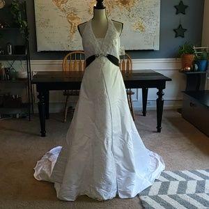 David's Bridal V Neck Halter Satin Wedding Gown